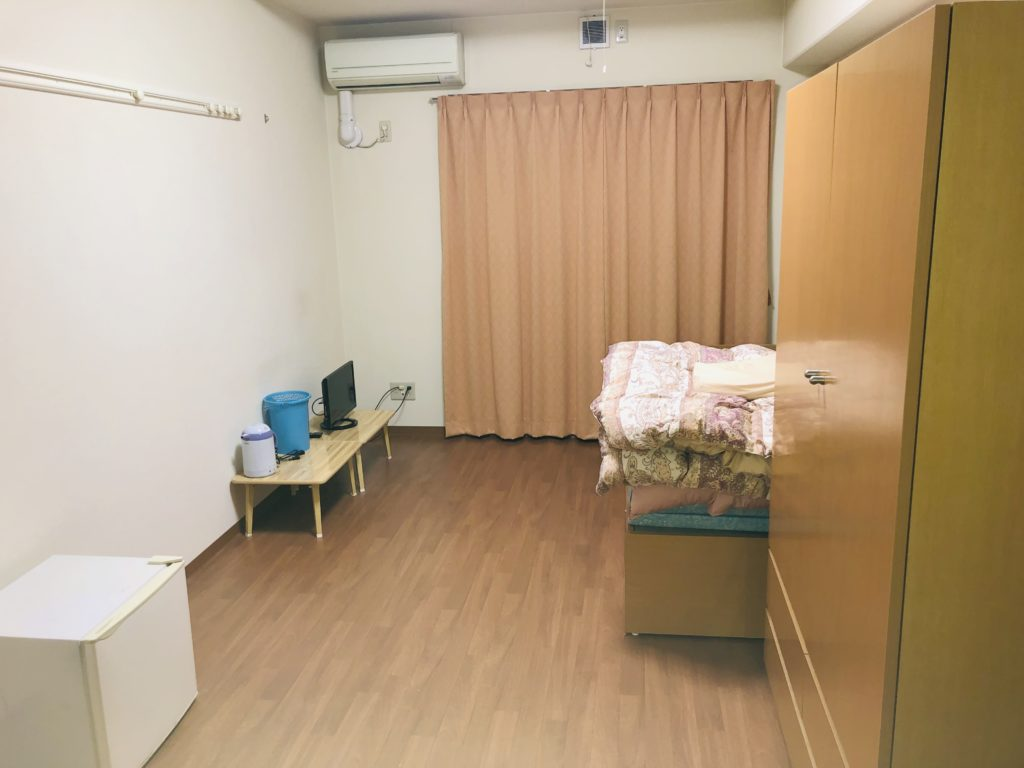 トヨタの寮部屋画像
