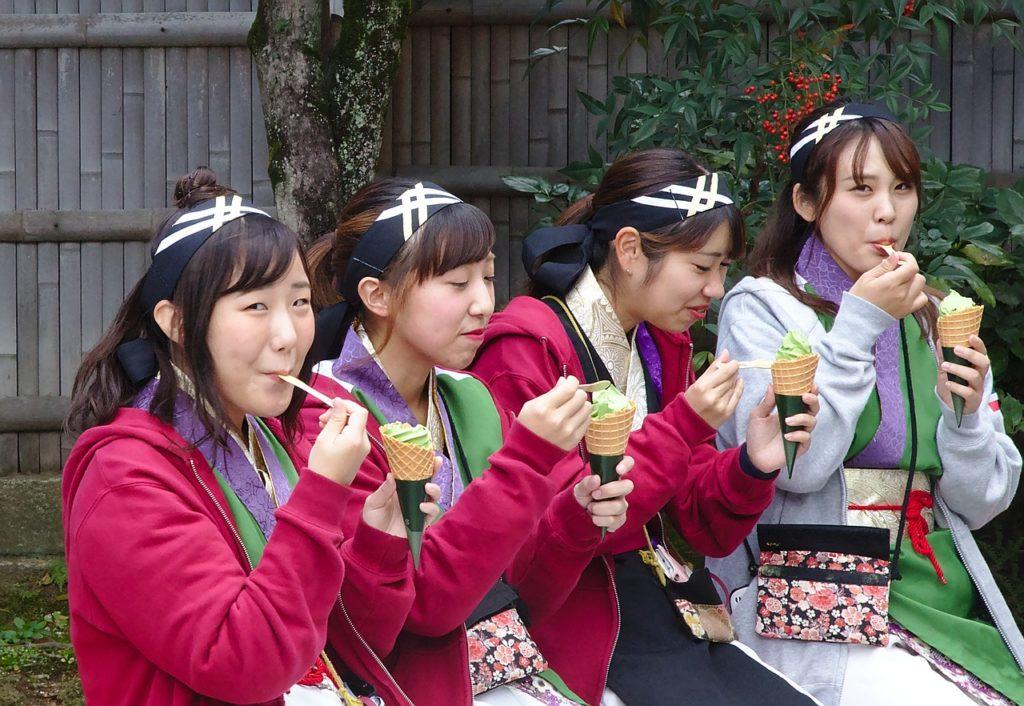 正社員が全てではない!正社員になれない、疲れた人は昼勤務の京都日産期間工がおすすめ!仕事内容は検査だけで年収がやばい
