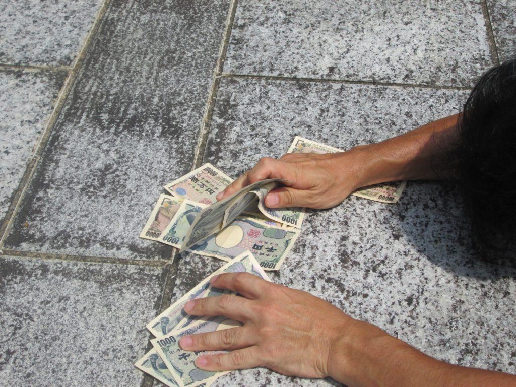 ギャンブル依存症は麻薬よりも怖い!お金を使い果たすまで続ける病気です。